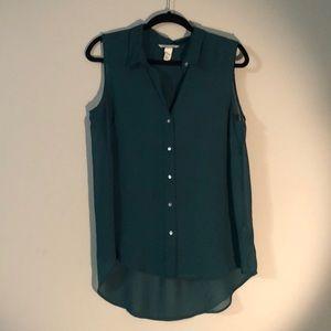 H&M sheer green sleeveless button down shirt